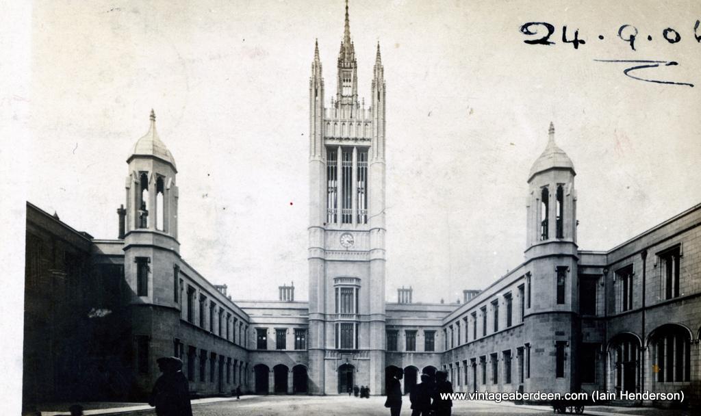 Marischal College Quadrangle (1906)