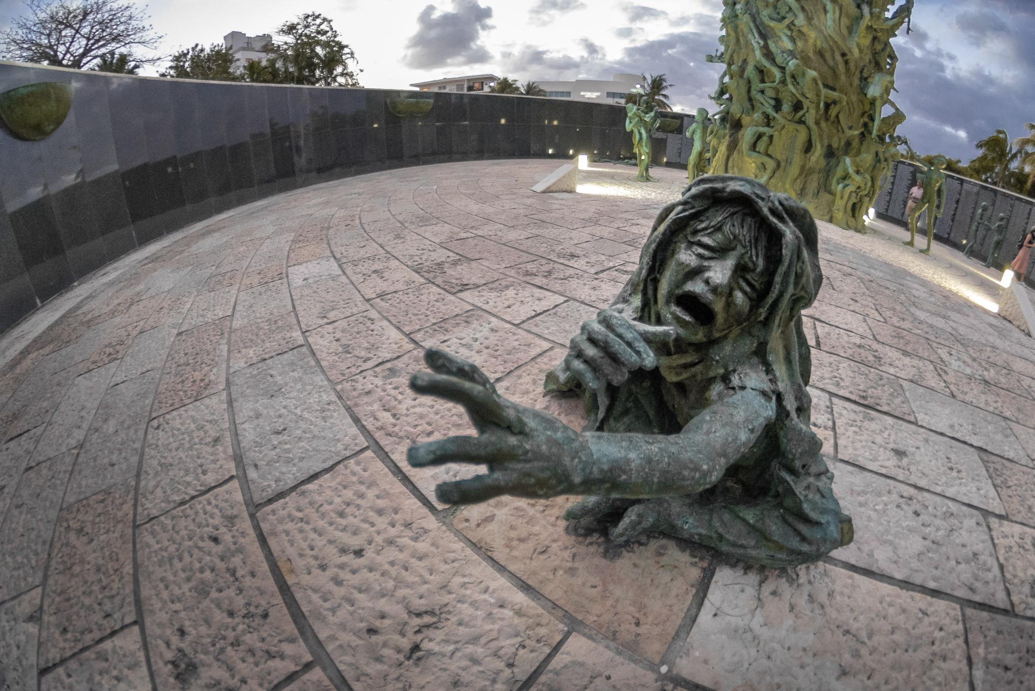 2017-01-15 - Miami Holocaust Memorial - 007