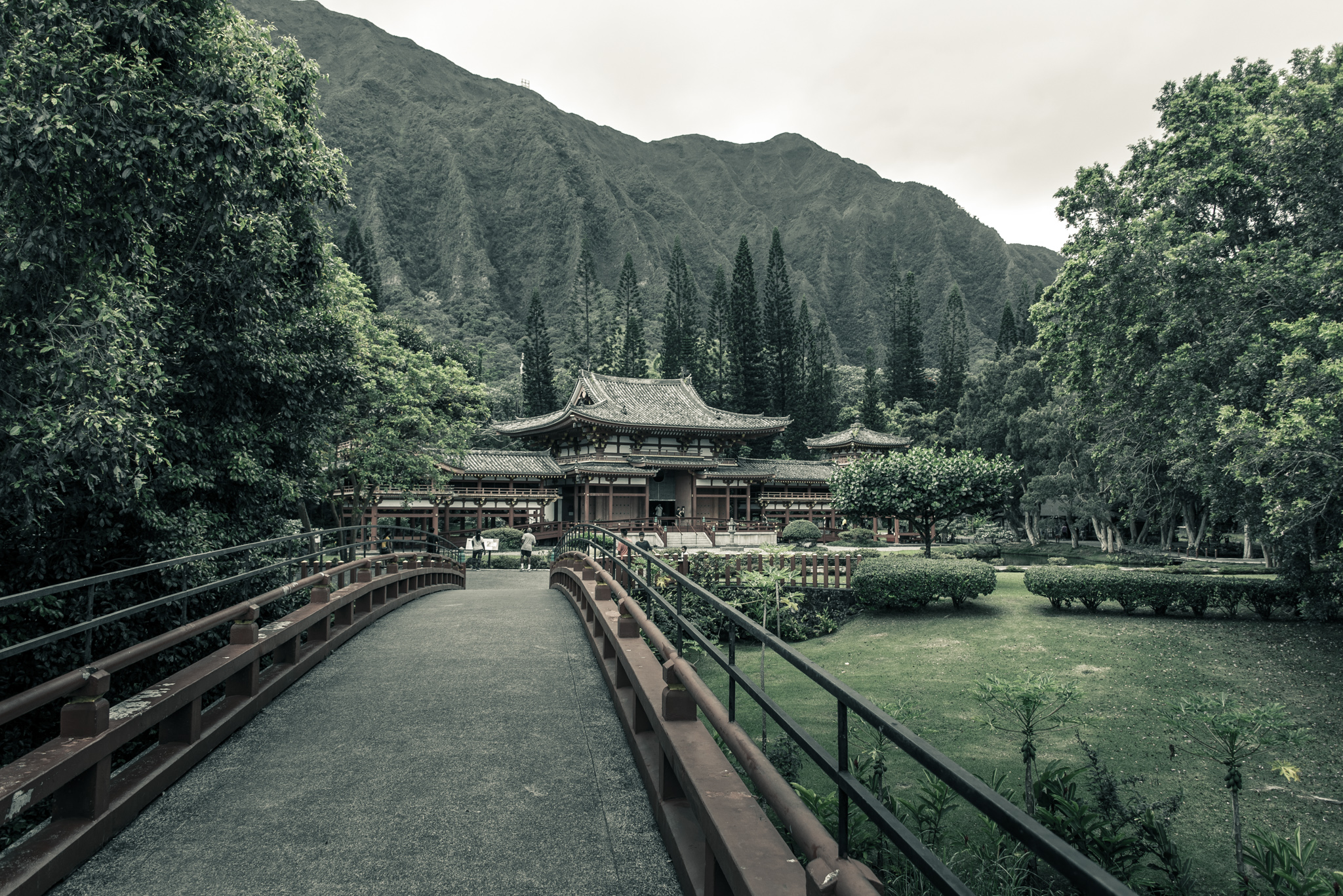2016-05-29 - Byodo-In Temple - 007