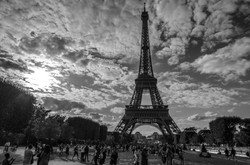 2015-07-29 - Jamritha Honeymoon - 003 - Eiffel Tower - 026