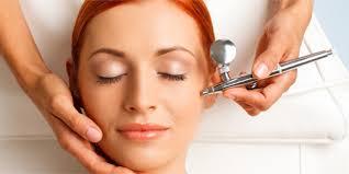 Vieni a provare l'ossigeno terapia per un viso disteso e luminoso