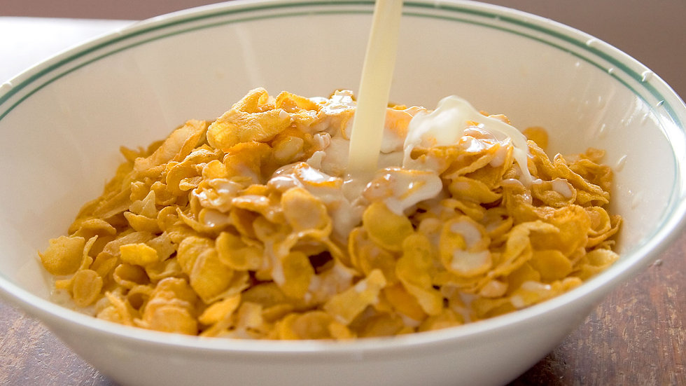 Cornflakes with cold milk