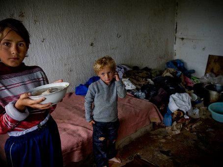 PAST AND PRESENT POVERTY IN MOLDOVA