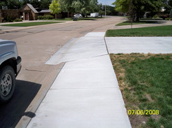 Concrete Sidewalk & Driveway