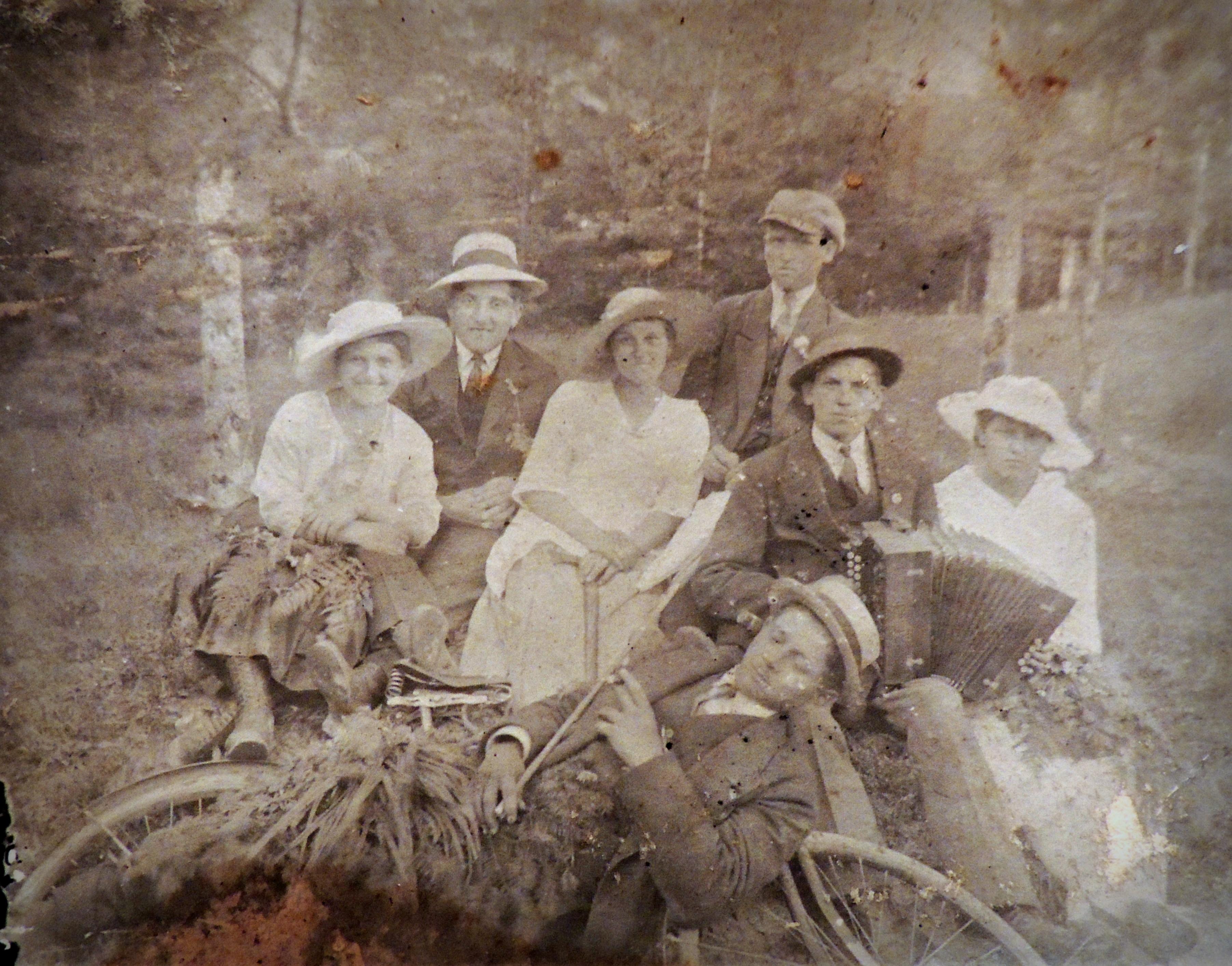 Z prawej Olimpia Czaplińska