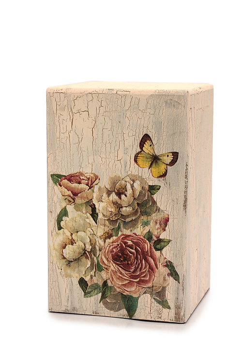 Vintage Floral Mariposa