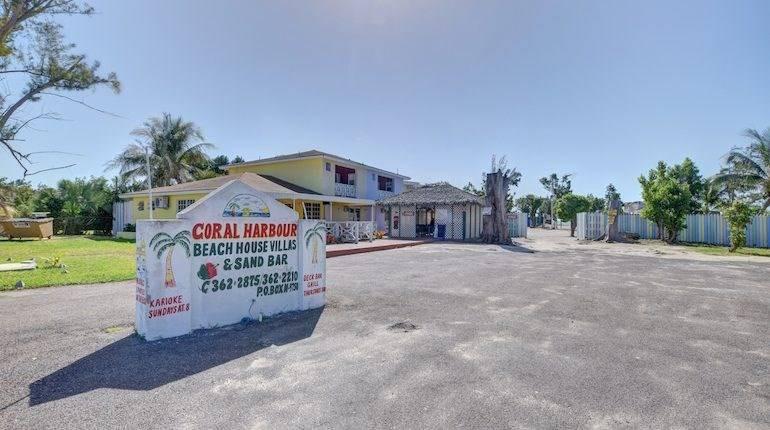 Coral Harbour Beach Resort