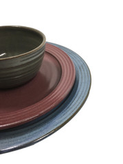 dinnerware-placesetting-pottery-plate-bo