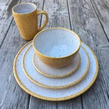 dinnerware-pottery-plate-bowl-yellow.JPG