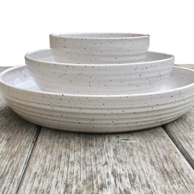pottery-dinnerware-placesetting-white.jp