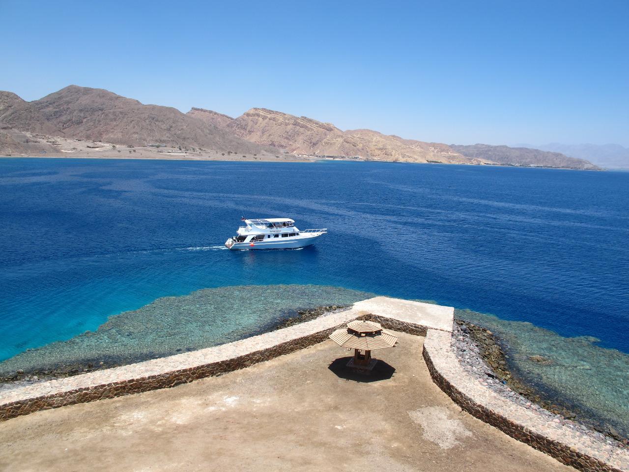 Aqua Sport Taba Boat at Coral Island
