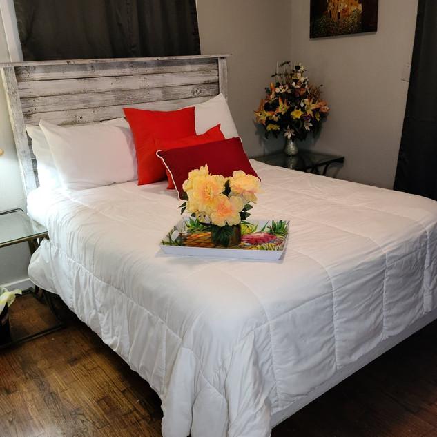 Bedroom 1 bed 2.jpg