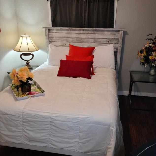 Bedroom 1 bed.jpg