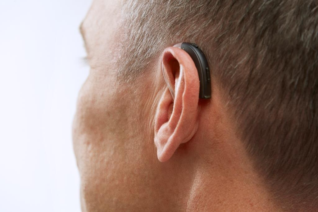 RS_thin_tube_on_ear_back