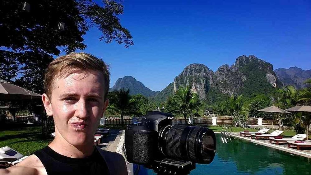 * การถ่ายคลิปท่องเที่ยวที่ Vang Vieng ประเทศลาว
