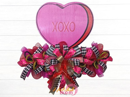 Make Your Own Valentine Heart Wreath Rail