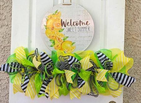 DIY Welcome Sweet Summer Wreath Rail