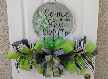 DIY Come On In Wreath Tutorial