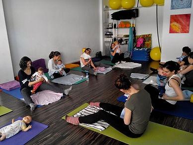 Grupo de posparto en Mamimaternal, Yoga posparto, hipopresivos