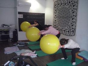 Yoga-pilates posparto para recuperarte del parto en Majadahonda