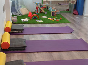 Sala equipada para yoga e hipopresivos en Mamimatenal Majadahonda