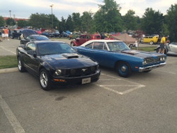 GT and Roadrunner at a show