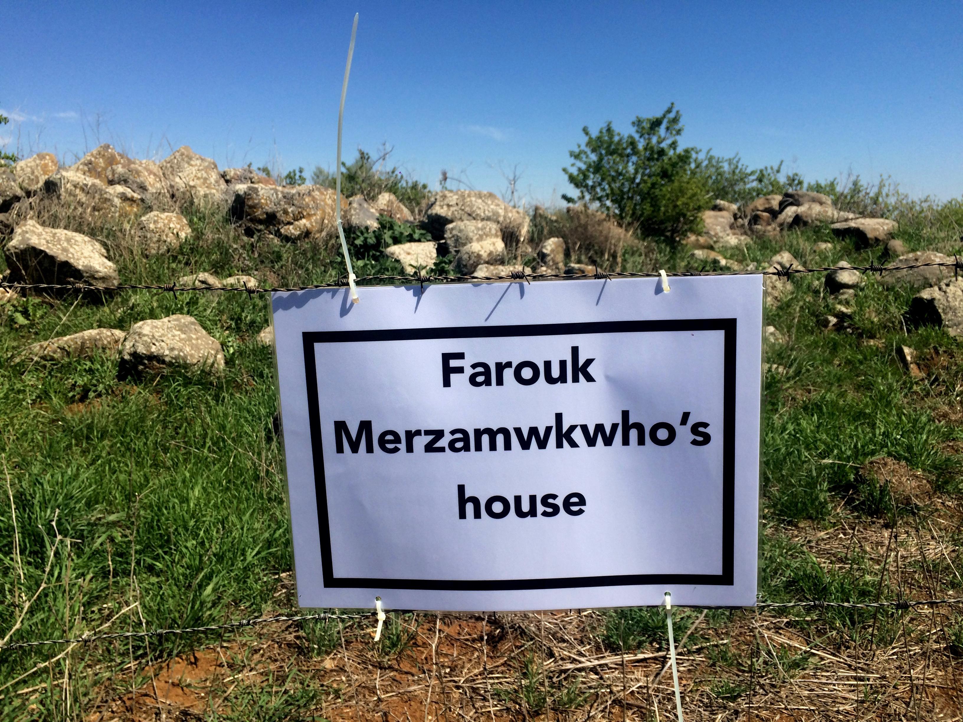 Signing Farouk's house