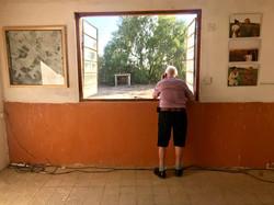 סולו על אדן החלון
