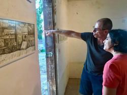 Pointing at Khuza'a