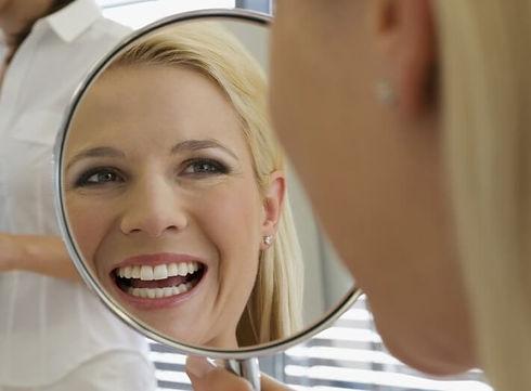 vantaggi degli impianti dentali.jpg