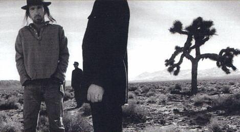 U2 slaví