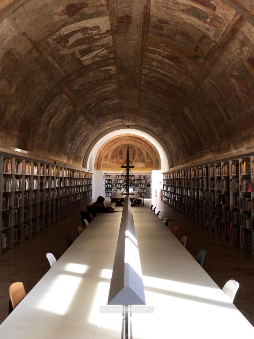 Library in Cité de l'Architecture