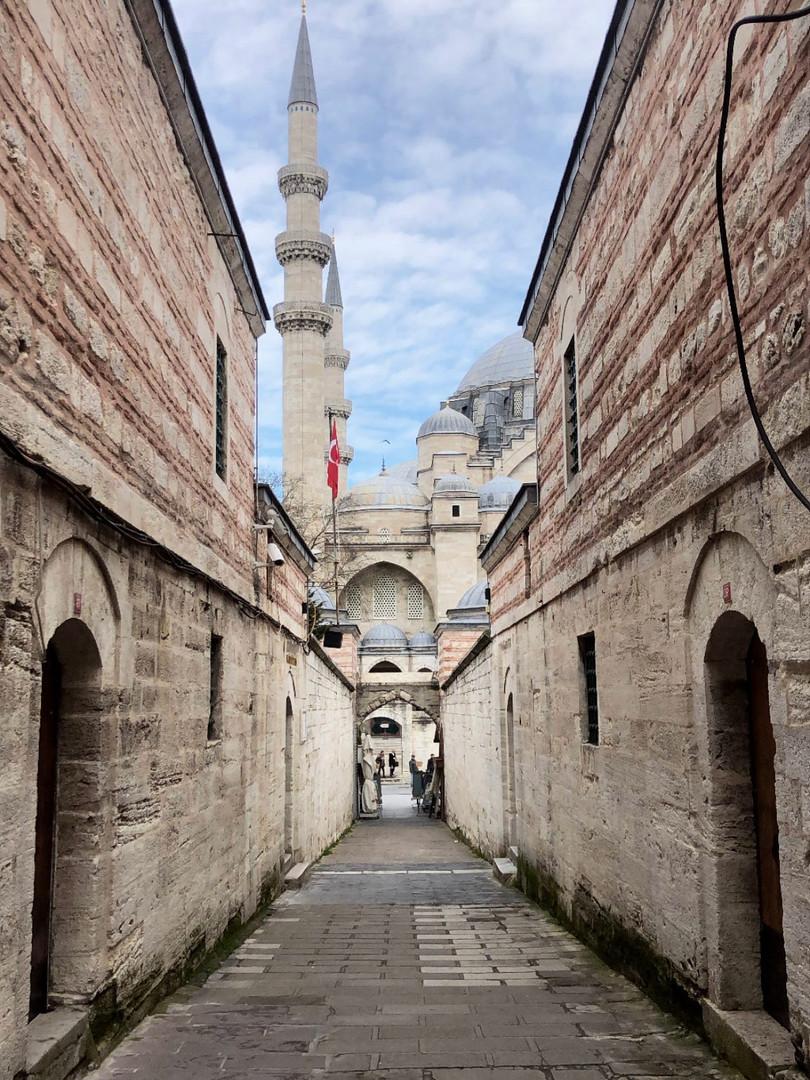 Lost around Suleymaniye