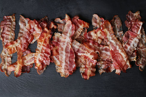 fried-bacon-black-table-top-view.jpg