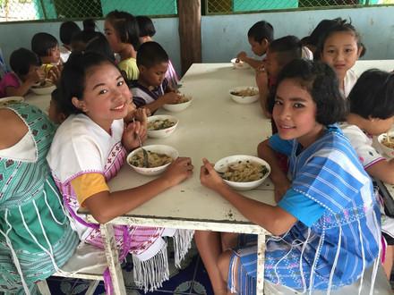 บริจาคคอมพิวเตอร์ @ โรงเรียนบ้านห้วยนกแล (ห้องเรียนสาขาบ้านน้ำดิบบอนหวาน) จ.ตาก