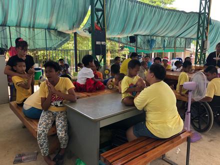 บริจาคคอมพิวเตอร์@บ้านคุณครูบุญชูเพื่อเด็กพิเศษ จ.ชลบุรี