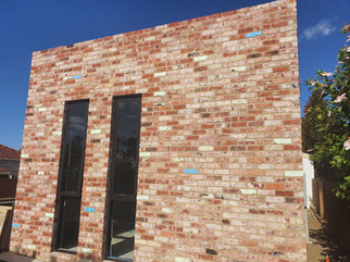 Mixed of Premium Heritage Solid & Recycled Pressed bricks
