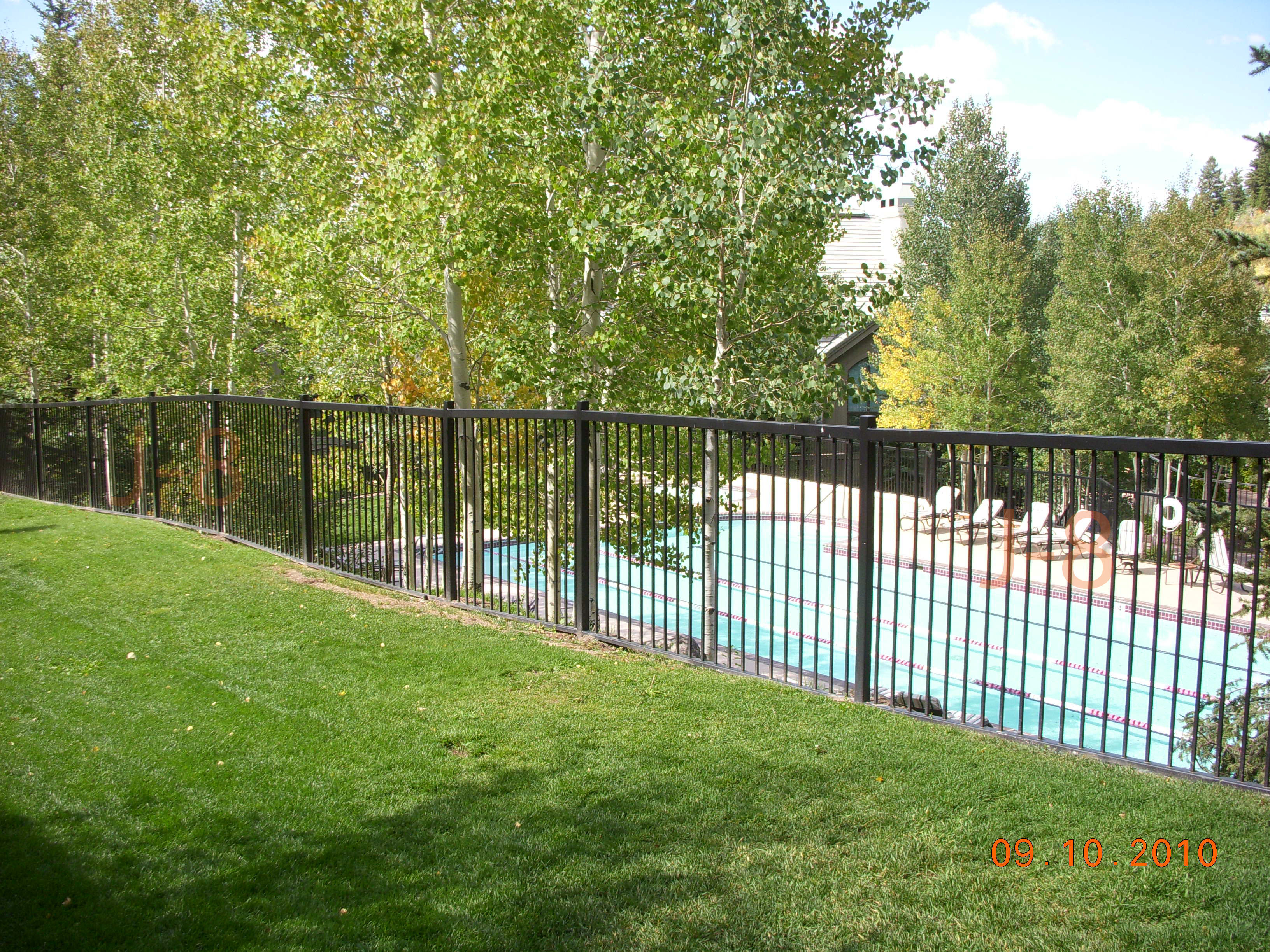 500 Feet of Steel Pool Rail