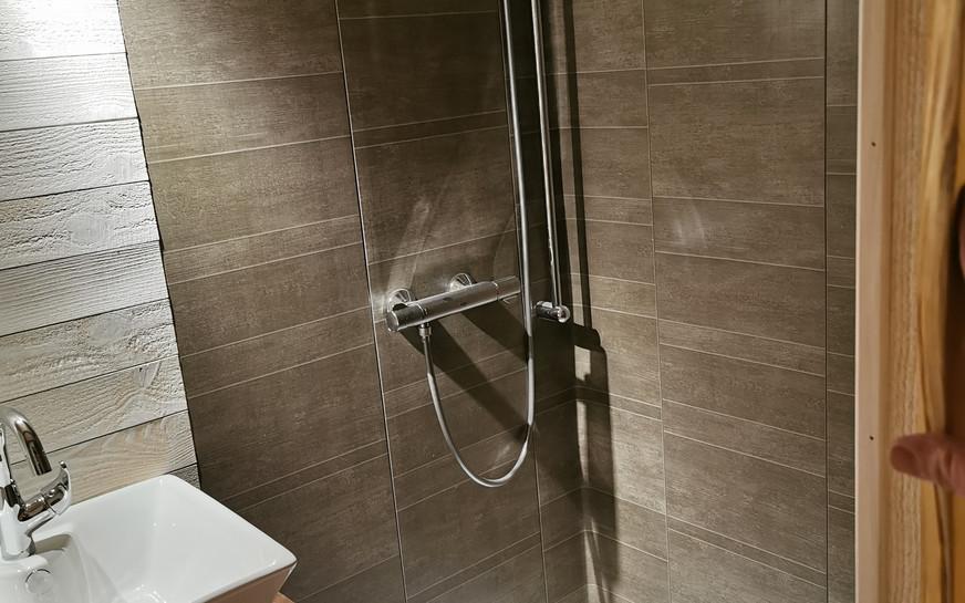 bac à douche tiny house canopée
