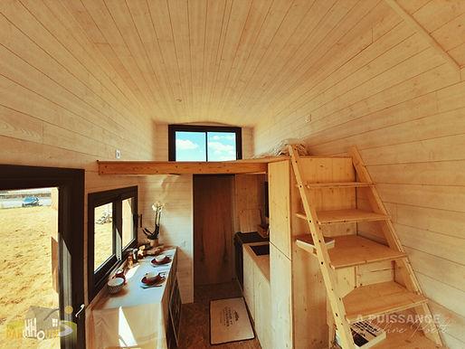 vue ensemble cuisine + mezzanine Tiny House d'Aurelie