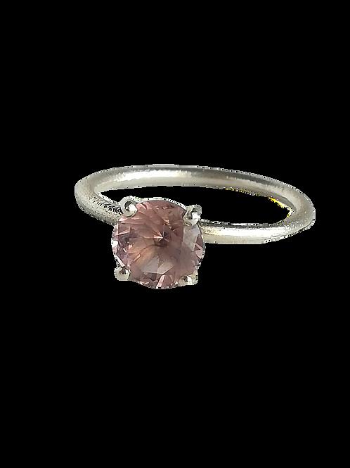 Zilveren ring met Morganite