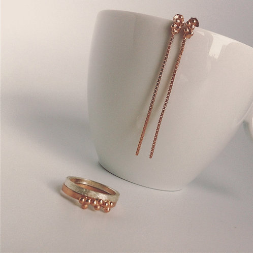 Setje van rosé vergulde oorbellen en zilveren ring + rosé ring