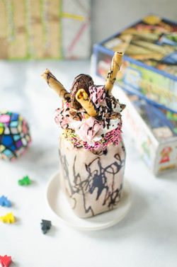 Chocolate & marshmallow Freakshake!