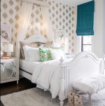 girl's room wallpaper blue shades