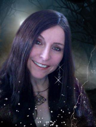 Maggie-profile_edited.jpg
