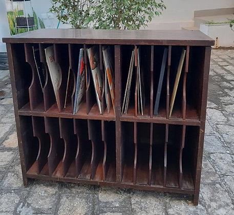 Estante Porta Disco de Vinil - Imbuia - Necessita restauro
