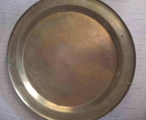 Prato de Metal Dourado