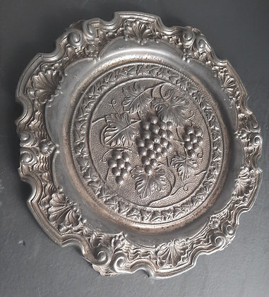 Prato Decorativo de Estanho Uvas