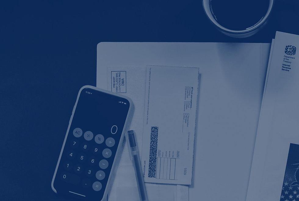 Celular sobre documentos