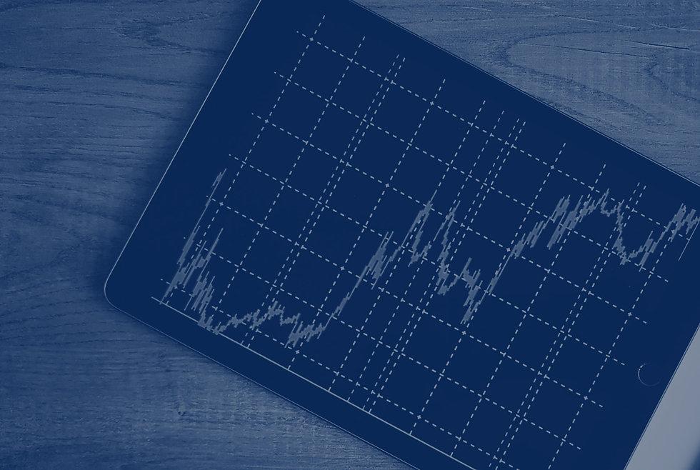Tablet exibindo um gráficode linha